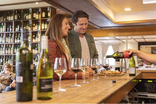 Wine_Tasting_at_Hunter_Valley_Resort_Destination_NSW_image.jpg