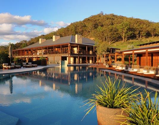 Emirates_Wolgan_Valley_-_Swimming_Pool.jpg