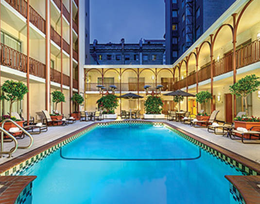 Handlery_Union_Square_-_Exterior_and_pool.jpg