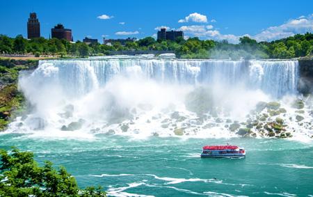 Niagara_Falls,_Canada_shutterstock_631484933.jpg