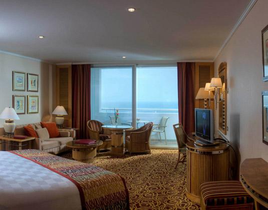 Jumeirah_Beach_Hotel_-_Ocean_Deluxe_Balcony_Room.jpg