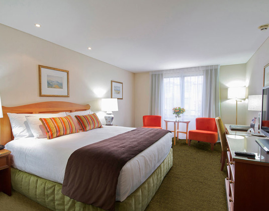 Millennium_Queenstown_-_Superior_Room.jpg