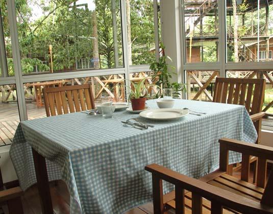 Borneo_Nature_Lodge_-Restaurant.jpg