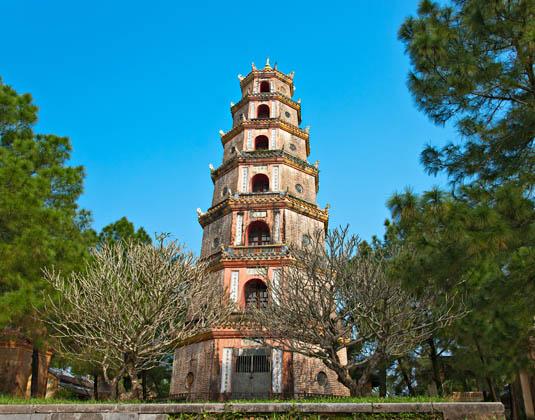 VIETNAM_YOUR_WAY_Thien_Mu_Pagoda.jpg
