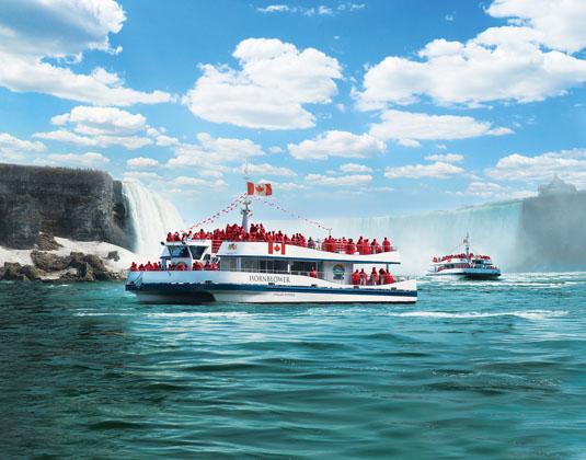 Hornblower_Niagara_Cruises_Niagara_Falls.jpg