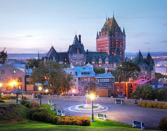 Frontenac_Castle_in_Old_Quebec.jpg