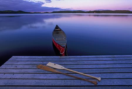 Algonquin_Park_canoe.jpg