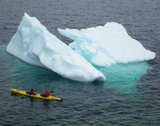 Quirpon_Island_-_Kayaks_and_Icebergs.jpg