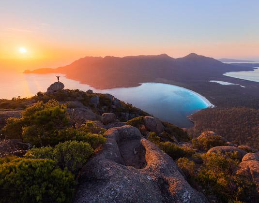 Freycinet_National_Park_Tasmania_Wineglass_Bay.jpg