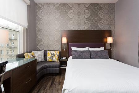Carwright_Hotel_SFO_Standard_room.jpg
