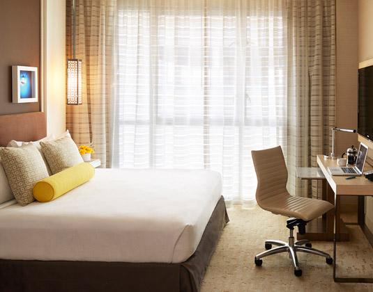 Kimpton_Hotel_Wilshire_-_Deluxe_Room.jpg