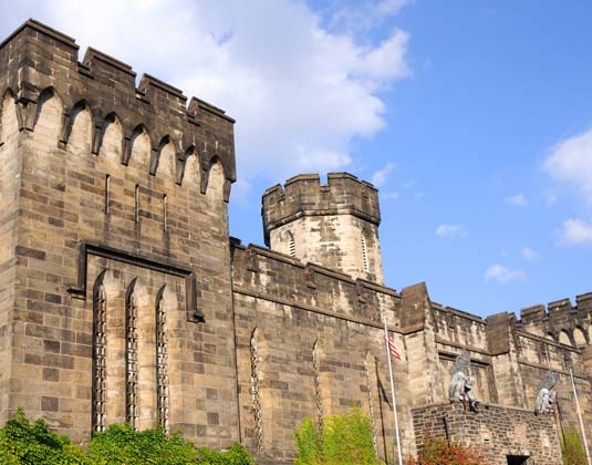 _Philadelphia_Excursions_Outer_Walls_of_Historic_Eastern_State_Penitentiary.jpg