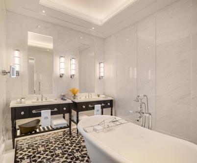 Raffles-SIN_Courtyard-Suite-Bathroom-v1.jpg