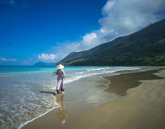 Poulo_Condor_Resort_-_Beach.jpg