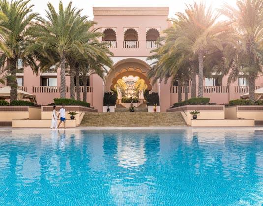 Shangri-La_Al_Husn_Resort_and_Spa_-_Pool.jpg