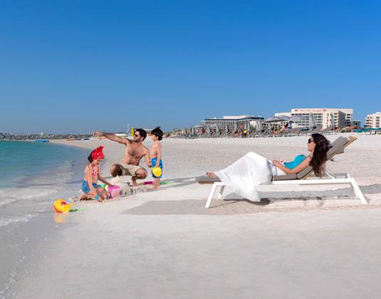 Crowne_Plaza_Yas_Island_-_Yas_Beach.jpg