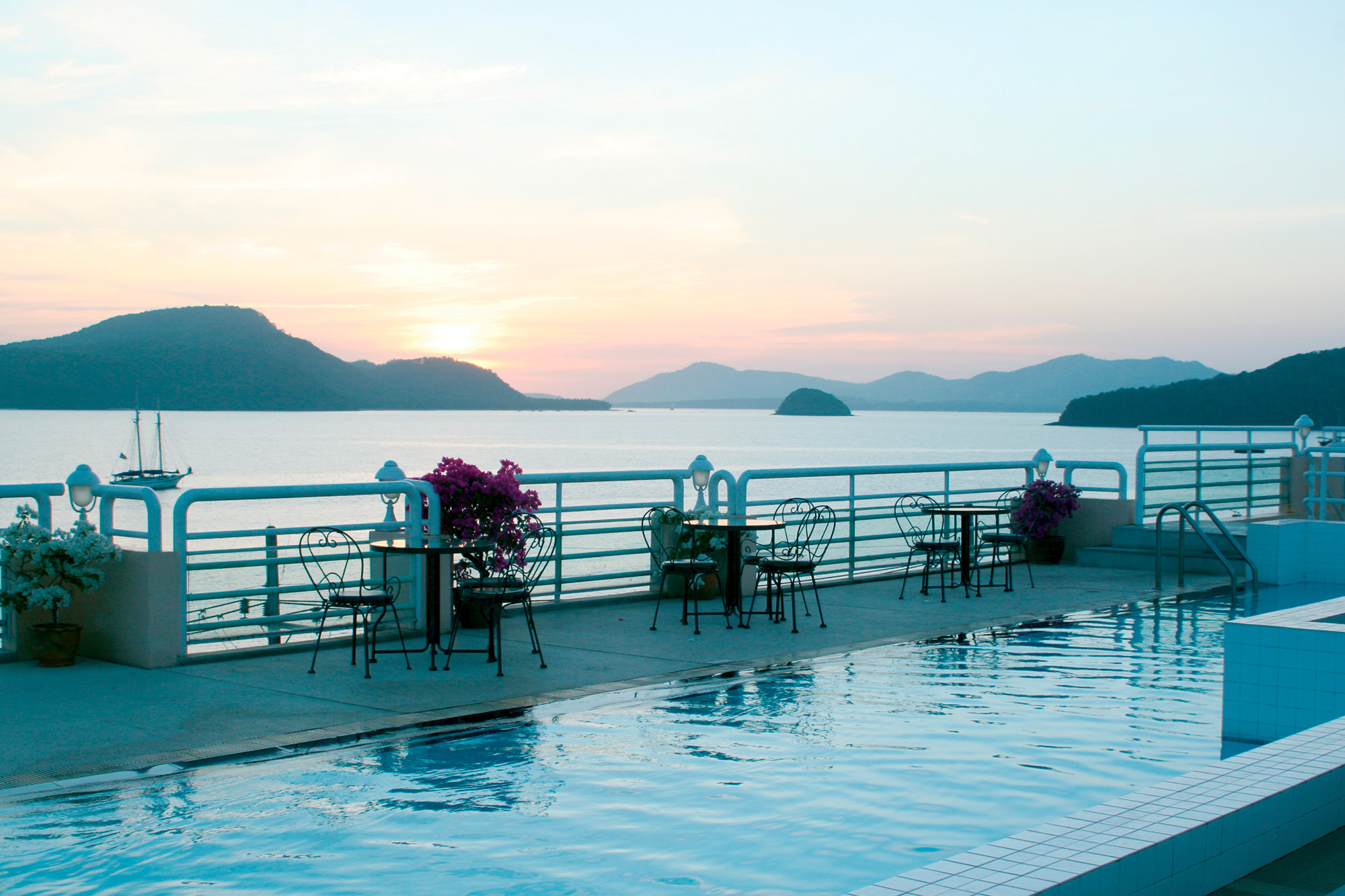 Thailand Family Offer 2 Adults & 1 Child Holidays