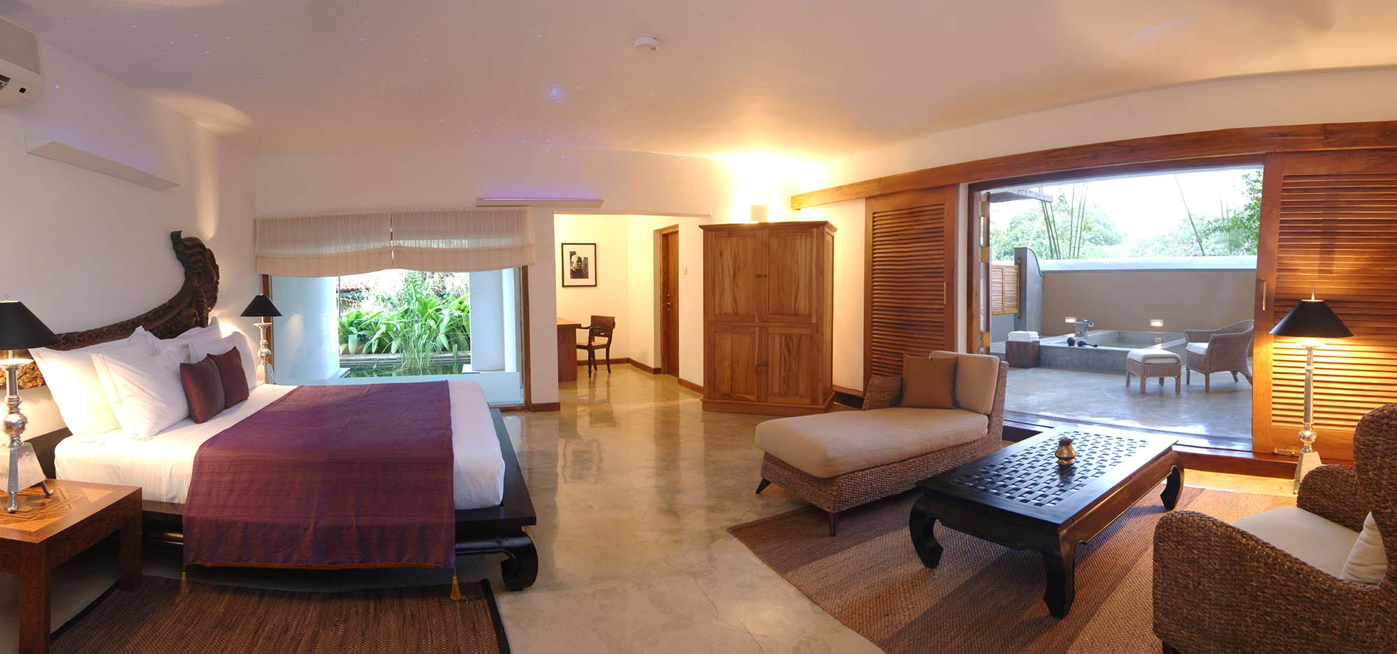 Aditya_Shanthi_Suite_-_Bedroom.jpg