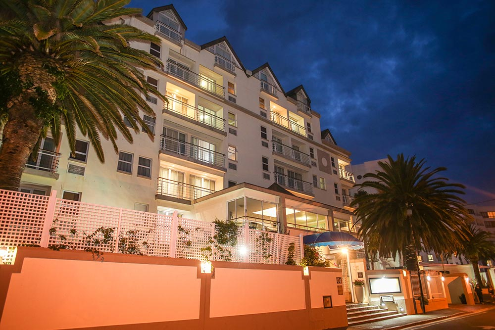 Bantry-Bay-Suite-Hotel_exterior-at-night.jpg