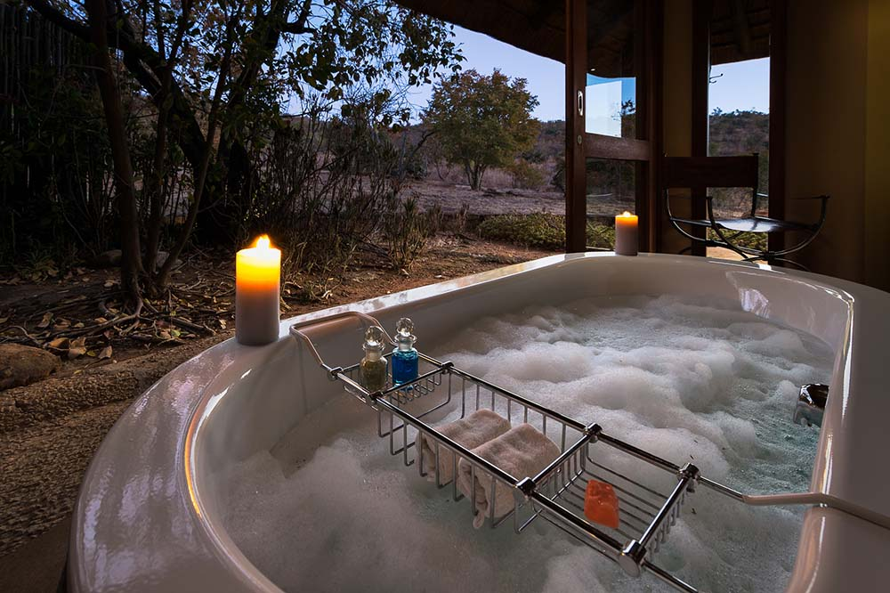 Welgevonden-Game-Reserve_ekuthuleni_bath-with-a-view.jpg