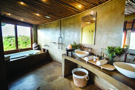 Gondwana_Kwena-Room-Bathroom.jpg