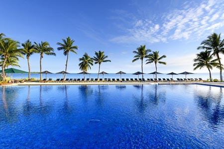 Hilton-Fiji_pool.jpg