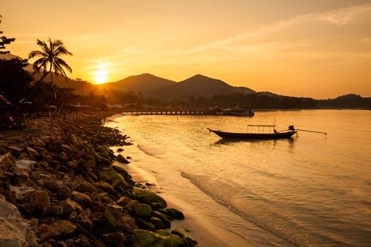 Sunset-Koh-Phangan_shutterstock_274940627.jpg