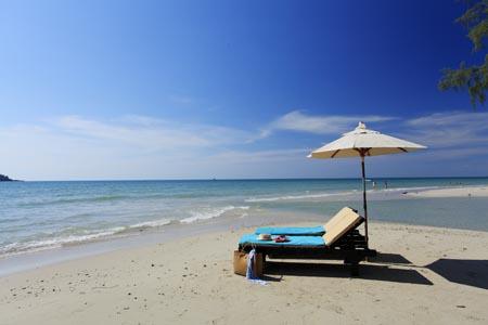 Centara-Koh-Chang_beach-2.jpg