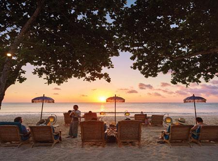 Jimbaran-Puri_beach-at-sunset.jpg
