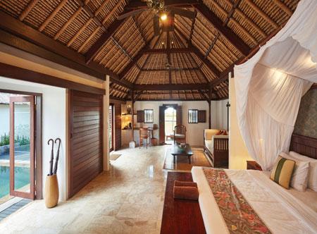 Jimbaran-Puri_one-bedroom-deluxe-pool-villa-interior.jpg