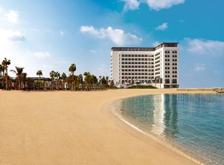 Rove-La-Mer-Beach_Exterior-and-beach.jpg