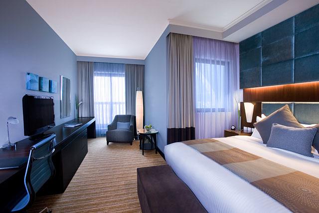 Traders Hotel Qaryat al Beri - Club Superior Room