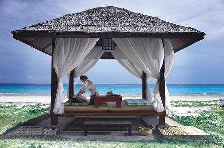 12865_3_Nexus_Massage_on_beach.jpg