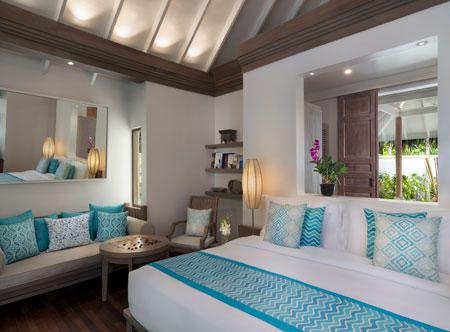 Anantara_Dhigu_Maldives_Resort_Guest_Room_Beach_Villa_Bedroom.jpg