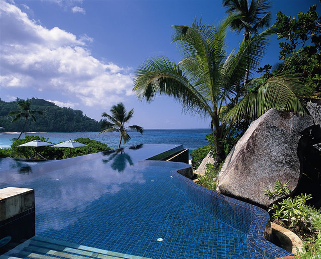14850_11_Banyan_Tree_infinity_pool.jpg
