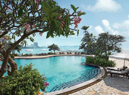 Dusit Thani, Pattaya - Lagoon Pool