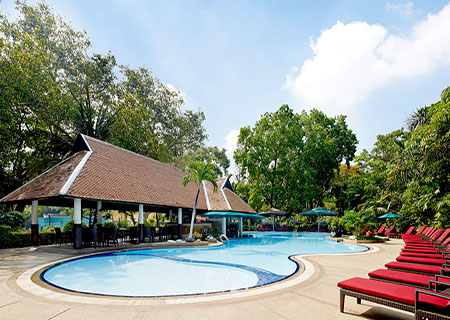 Royal_Orchid_Sheraton_-_Garden_Pool.jpg