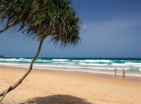 Centara_Grand_Beach_Resort_Phuket_-_Karon_Beach.jpg