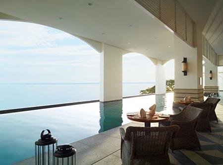 Eastern_and_Oriental_Hotel_-_Pool_Side_Bar.jpg