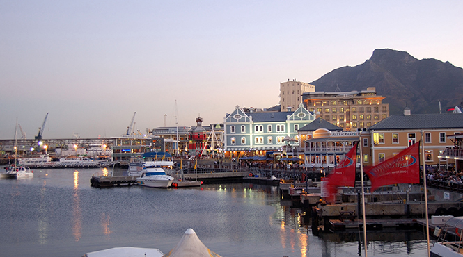 Cape_Town_V_and_A_Waterfront_shutterstock_2372208.jpg