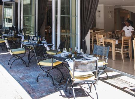 Restaurant_Terrace.jpg