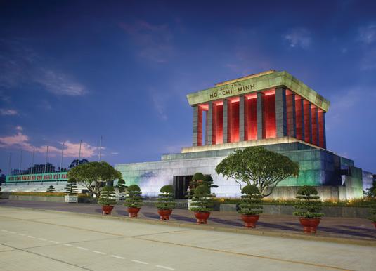 Ho-Chi-Min-mausoleum-in-Han.jpg