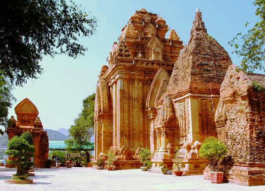 Po-Nagar-Temple-Nha-Trang.jpg