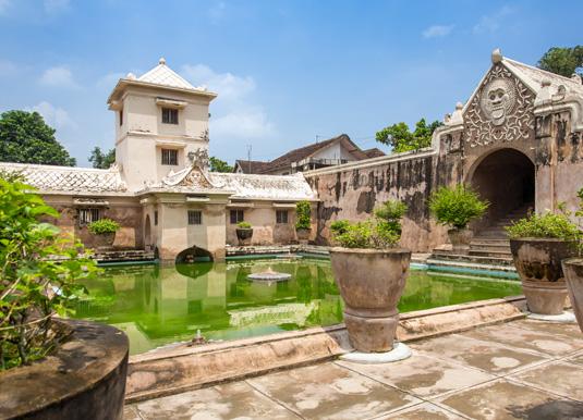 Taman-Sari-water-palace-of-.jpg