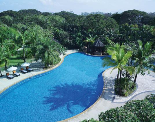Shangri_La_Chiang_Mai_Pool.jpg