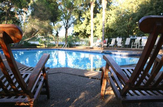 Hunter_Valley_Resort_3_pool.jpg