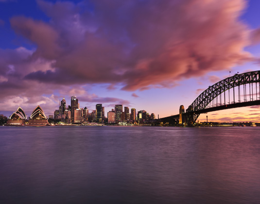 Sydney_Harbour,_Bridge_and_CBD_view_across_the_harbour_from_Milsons.jpg