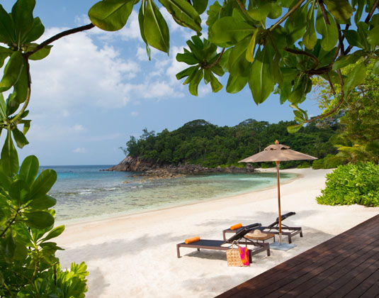 Avani_Seychelles_Barbarons_Resort_-_Beach.jpg