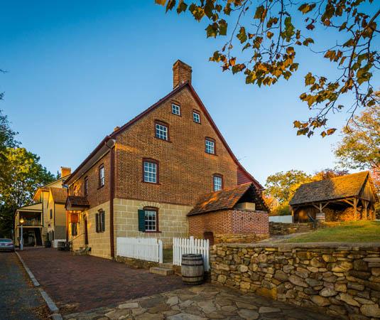 Carolinas,_Old_Salem_Historic_District.jpg