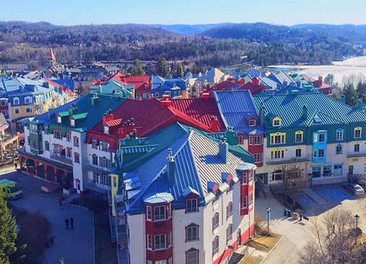 Quebec_-_Mont_Tremblant,_view_of_town.jpg